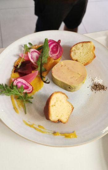 Foie gras mi cuit, confit d'agrumes bio, brioche maison